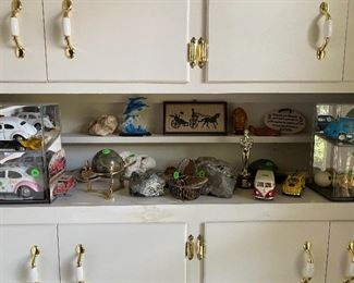 Assortment of collectibles & accessories