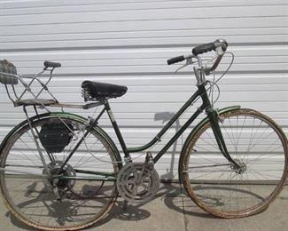 Vintage Chicago Schwinn Bike with vintage child seat