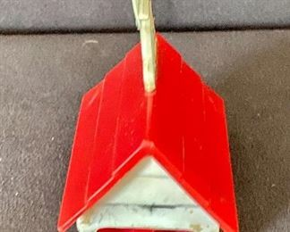 Additional photo of back of pencil sharpener.
