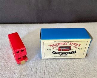 Additional photo for Matchbox bus with box.