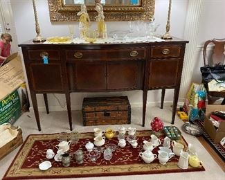 Gorgeous a Mahogany sideboard with banded detail