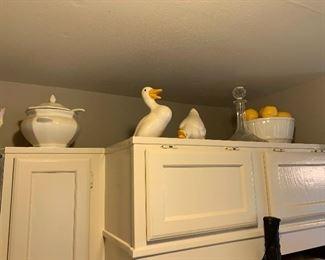 Ceramic ducks and apple bowl. $20