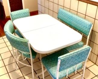 Gorgeous MCM table and chairs