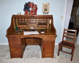 Dundee Mills Rolltop Desk with matching chair