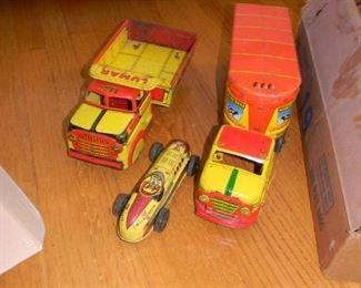 LUMAR / race car / Marx