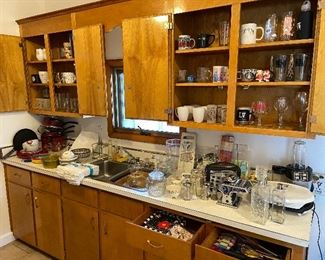 Kitchenware/ glassware