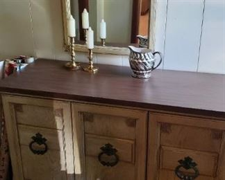 Entry chest, mirror