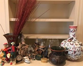 Set of three vases. One is from Japan and the other Mexico. Also includes little trinkets such as clown statues and Chinese pieces. https://ctbids.com/#!/description/share/949825