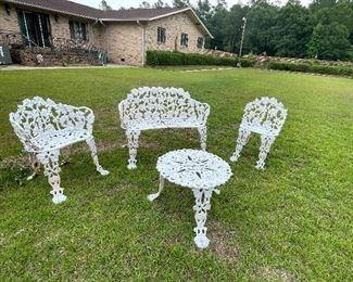 Cast iron garden/patio set