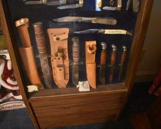 CAMILLUS Pocket Knife Store Display loaded with never used Camillus Pocket Knives. This Estate Hundreds and Hundreds of Quality Pocket Knives. There is so much in this Estate.  These 4 pictures are simply a precursor of the Awesome Collections in this Estate!