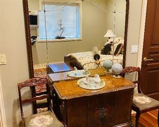 """$900 ANTIQUE FRENCH FULL SIZE BEDROOM SET BED FRAME 80.5""""L x 61"""" W x 50""""H 2 NIGHTSTANDS 24""""W x 15""""D x 25.5""""H DRESSER WITH LARGE MIRROR DRESSER MEASURES 39.5""""L x 17""""D x 29.5""""H MIRROR MEASURES 53.5""""W x 1.5""""D x 80""""H"""