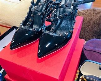 VALENTINO SHOES SIZE 41