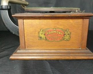 HarmonyTalking Machine Co.Model 12 Antique Phonograph Player