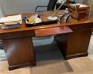 Office 1  Desk Executive