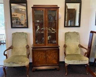 """Pair """"Hickory Chair"""" Armchairs - Matching Mirrors - Display Cabinet"""