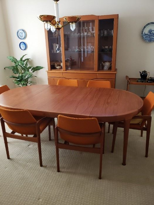 Table and Chairs SOLD. HUTCH STILL AVAILABLE