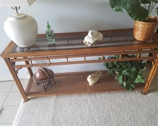 very nice sofa table with a glass top. No chips or marks, very good condition, see pictures for details