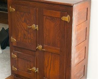 Oak ice box