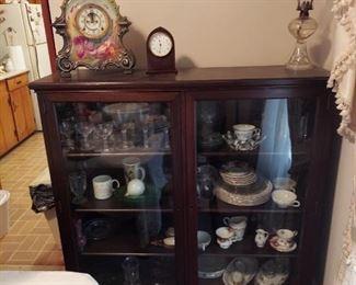 Collectible Glassware - Uranium Glass , Depression Glass, etc