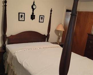 Queen 4 Post Bed