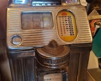 Standard Chief 10 cent slot machine