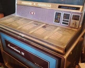 1970s Wurlitzer Americana III Juke Box