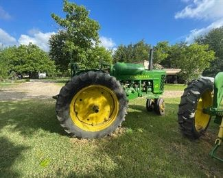 1954 John Deere 60 power steering, tricycle front, three point hitch 41.57 PTO