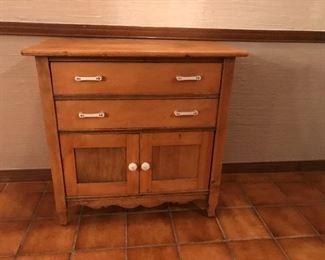 Sweet little cabinet!