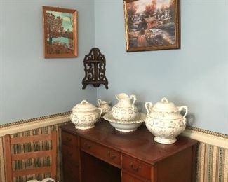 Rocker, desk antique pitcher and bowl set