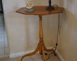Eldred Wheeler Tiger Maple Tilt Top Table