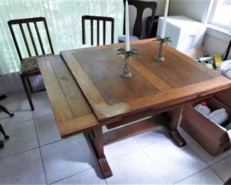 Kitchen/dining room table draw leaf great room saver