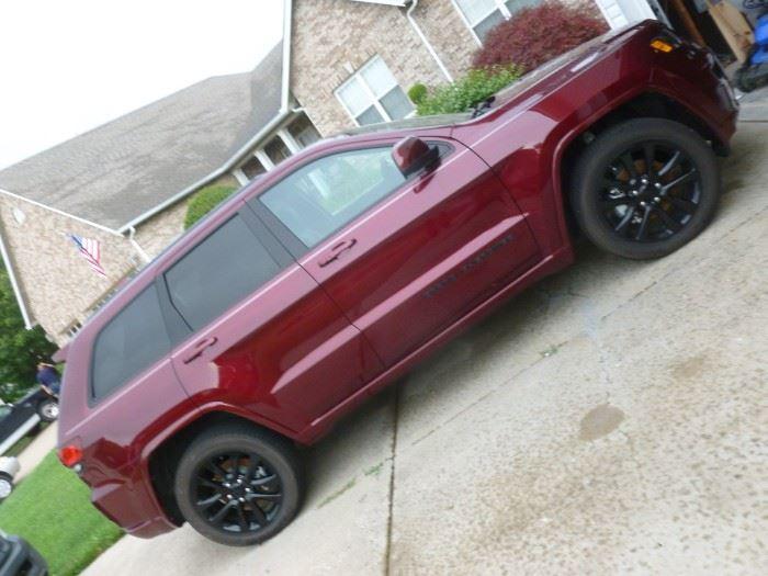 2017 Jeep Grand Cherokee Laredo 4X4 75th Anniversary Ltd. Edition...MINT Condition..Loaded!
