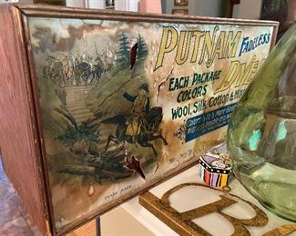 Antique Putnam Dyes wooden box, complete inside including a few dye packets