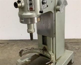 Ser# 11-219-787 MFG Hobart Model H600T Power (V-A-W-P) 230V - 60Hz - 5A - 3P - Rating 1-1/2Hp Located in: Chattanooga, TN Unable To Test *No Power Cord* 1,725RPM **Sold as is Where is**