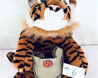 "Lot $40.   Tiger 26"" L"