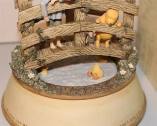 """Winnie the Pooh """" Promise you won't forget me ever"""" music box w box"""