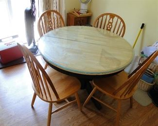 Kitchen Table and 4 chairs $200
