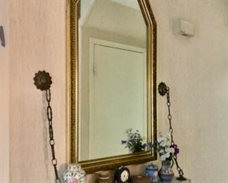 Mirrors & vintage decor