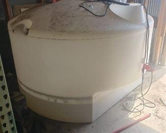 425 Gallon Truck Bed Tank, White