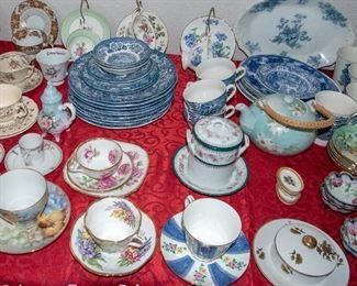 TABLES of Vintage CERAMICS - Teacup Sets