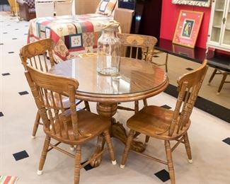 Kitchen table & chairs - glass top included!