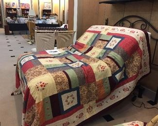 Like new Serta Motion Essentials Adjustable Full Size bed!