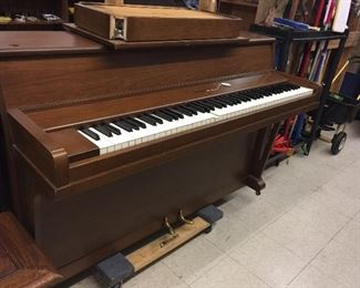 Melody Grand spinet piano