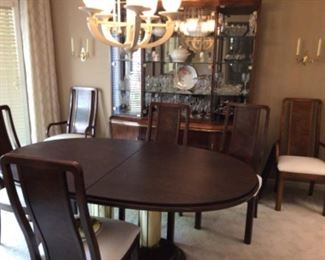 Thomasville Oval Dining Table w/6 Chairs, 1 Leaf, and Table Pads