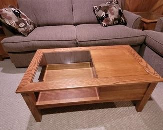 Oak and glass coffee table very good condition $50
