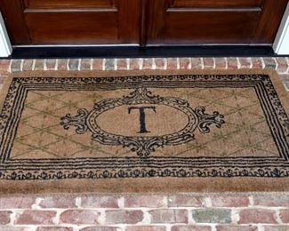 Welcome mat, T monogram