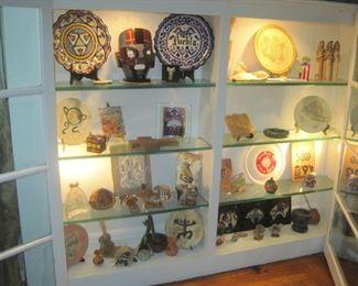 Miscellaneous collectibles.