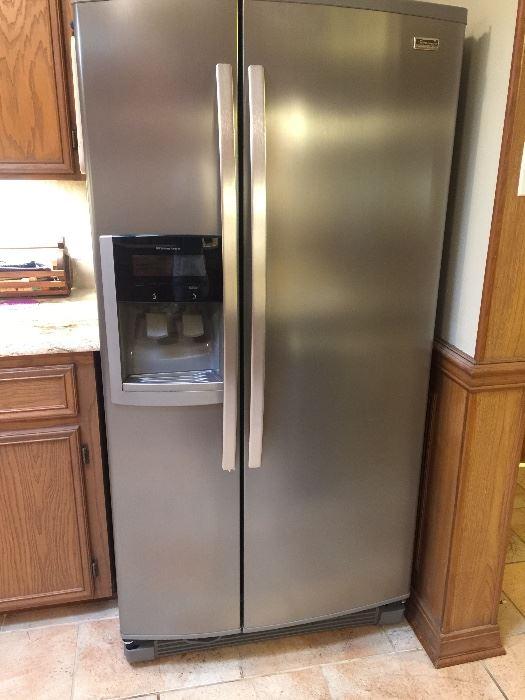 Smudge proof Kenmore refrigerator