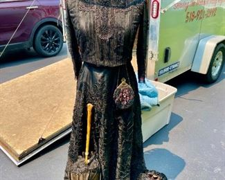ANTIQUE 19th CENTURY VICTORIAN LACE MOURNING BUSTLE DRESS GOWN W/ UMBRELLA, PURSE, HAT & HAND WARMER. VINTAGE STAND INCLUDED