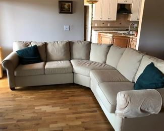 Beautiful Sectional couch, great condition